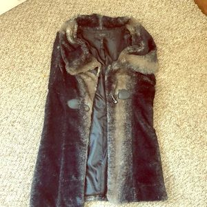 NEVER WORN Jessica Simpson fur vest